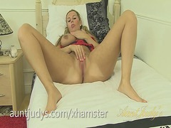 Curvy milf jessica put... from Xhamster